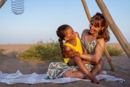 Campingplatz Serignan Plage Herault Mutter Tochter Strand